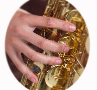 уроки саксофон правая рука
